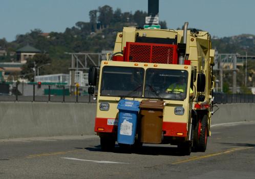 Marin Sanitary Truck: Marin waste hauler truck